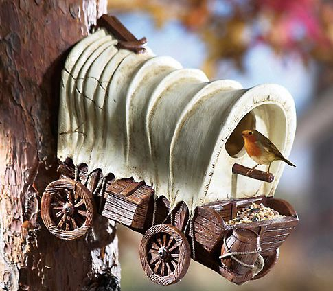 Covered Wagon Outdoor Birdhouse
