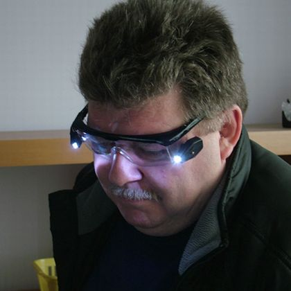 LED LIGHTED PROTECTIVE GLASSES