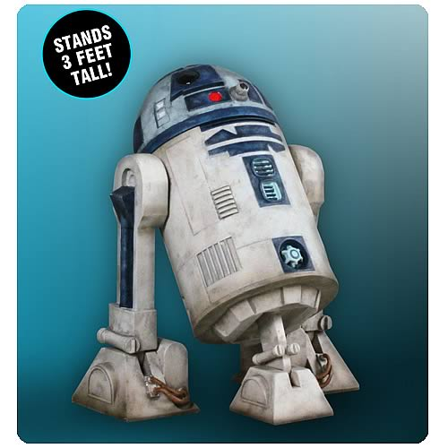 Star Wars R2-D2 Clone Wars Monument