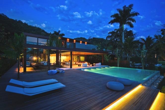 Spectacular home set in Rio de Janeiro's coastline