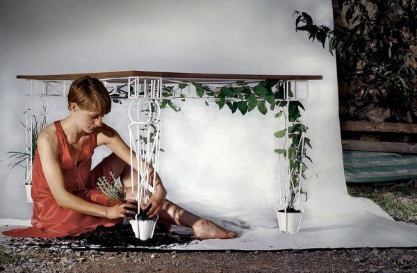 Plantable garden table