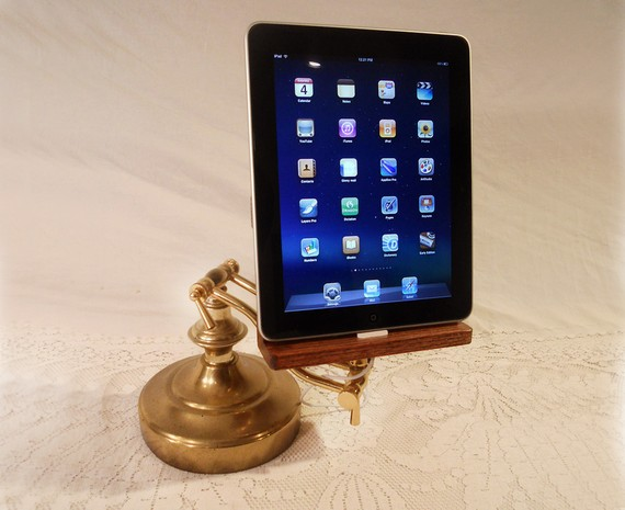 Charging Station for iPad with Adjustable Arm