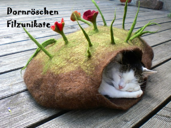 wonderful felted cat cave