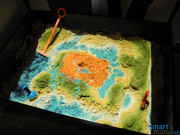 Interactive sandbox uses Kinect