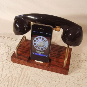 iPhone Dock - Phone - iPod Dock - Phone - Charger and Sync Station