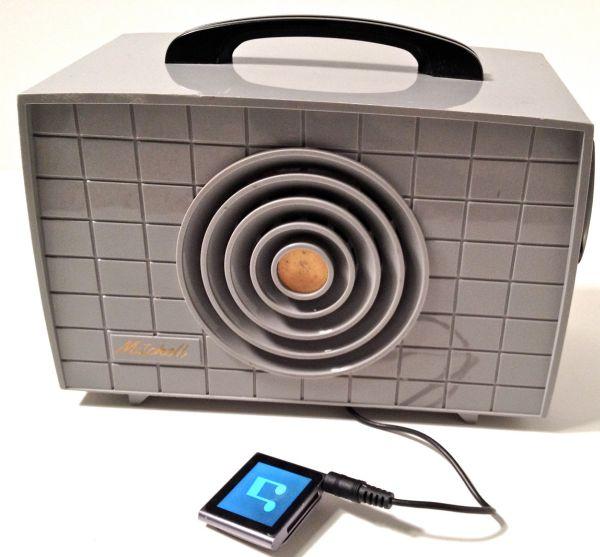 1960's Tube Radio / MP3 Player
