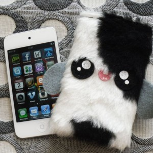 ittle kawaii Yeti case for your iPod Touch or iPhone