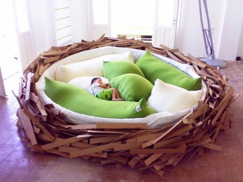Giant Birds Nest