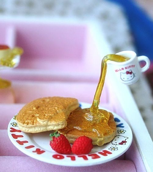 Hello Kitty Floating syrup pancake ring