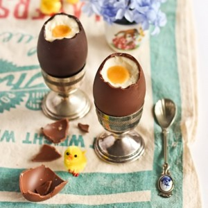 Cheesecake-Filled Chocolate Easter Eggs with Passion Fruit Yolk