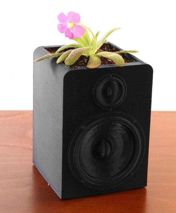 Speaker planter