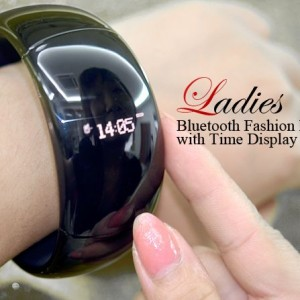 Bluetooth Fashion Bracelet with Time Display