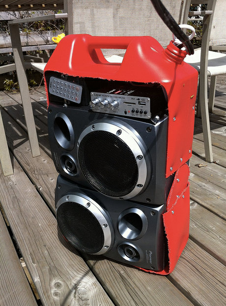 Rechargeable Boombox / Portable Speaker