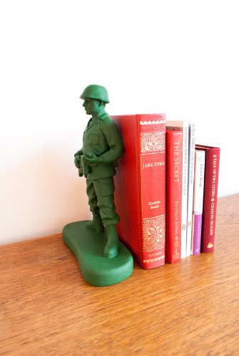 Suck UK Homeguard Soldier Book End