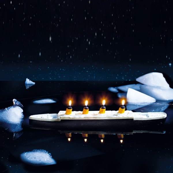 Floating Candle Titanic