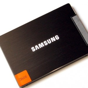 SAMSUNG 830 Series 2.5-Inch 256GB SATA III MLC Internal Solid State Drive (SSD) MZ-7PC256B/WW