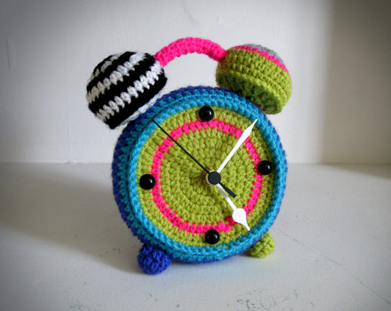 Crocheting Gadgets : Crochet clock - Gadgets Matrix