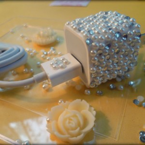 Swarovski crystal rhinestones white Pearls Bling iPhone 3 3g 4 4s 5 iTouch iPad Wall Charger Adapter and USB Cable