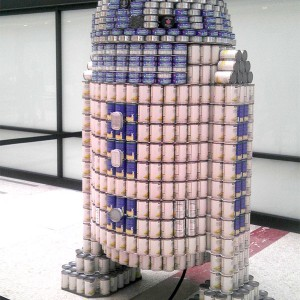 R2-D2 Made out of Cans