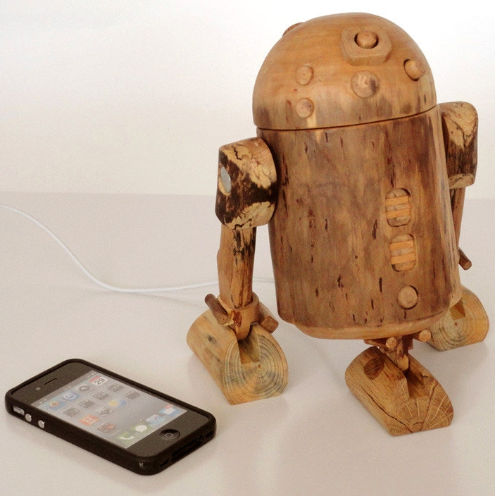 R2D2 iPhone dock – robot in function of a docking station