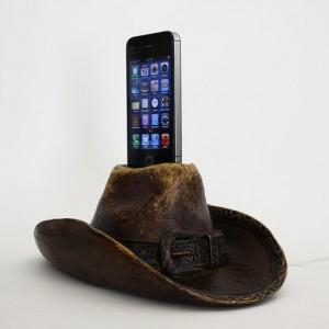 Cowboy Hat Vintage-Looking Apple iPhone 4S Charging Dock