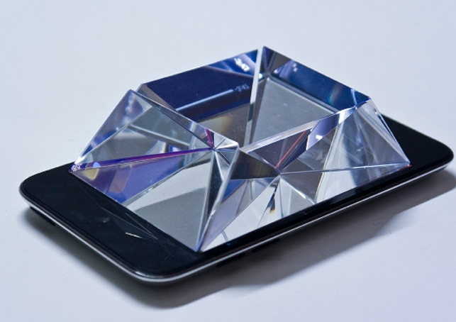 Luminogeist glass prism iphone