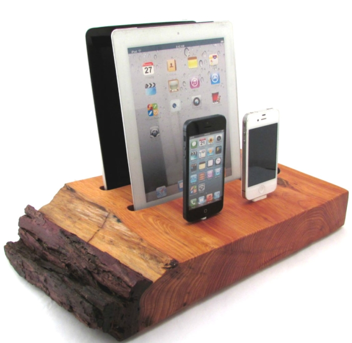 Dual iPad and Dual iPhone Docking Station with Wireless Speaker