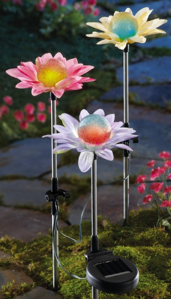 Color changing solar flower garden stakes gadgets matrix for Solar garden stakes color changing