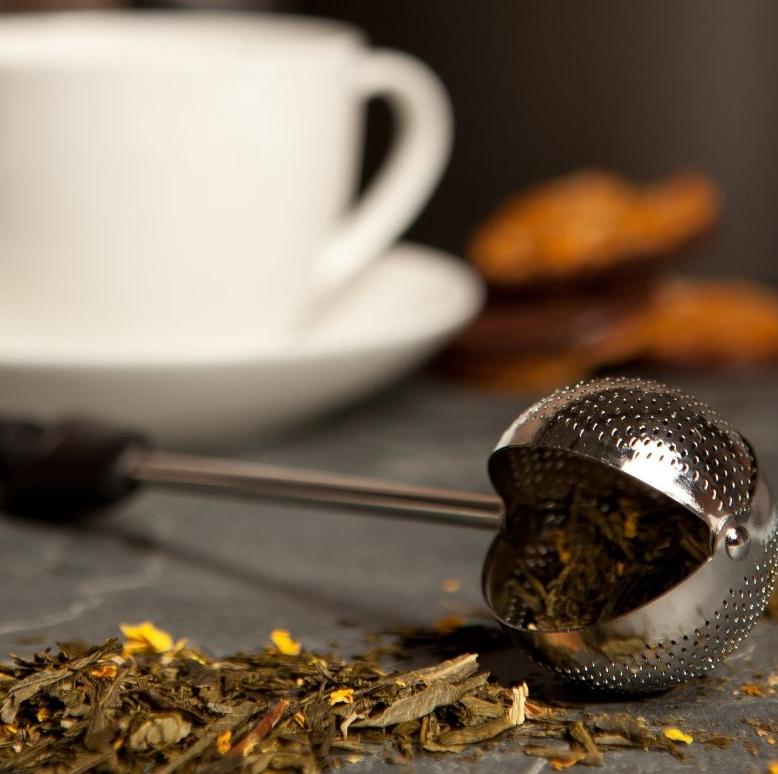 Twisting Tea Ball