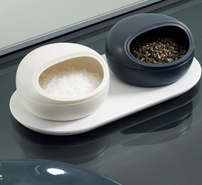 Salt And Pepper Pinch Pots Gadgets Matrix
