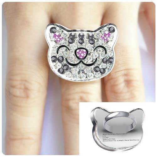 The Big Bang Theory Soft Kitty Crystal Ring