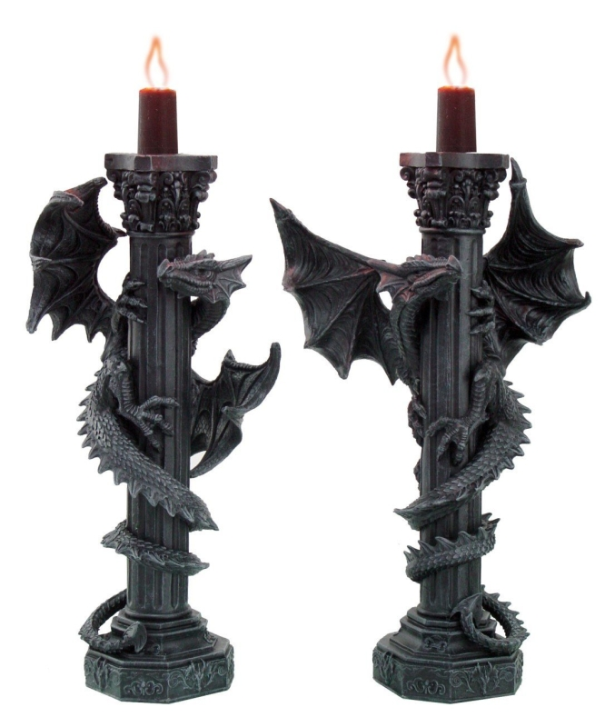 DRAGINS CANDLE HOLDER SET
