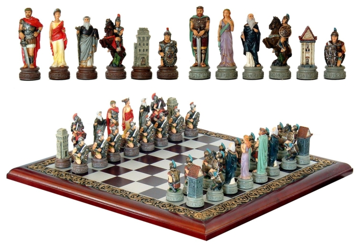 MEDIEVAL KNIGHT 32 PIECE CHESS SET