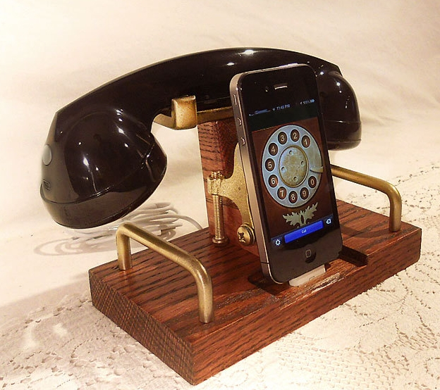 iPod Phone Dock Charger and Sync Station