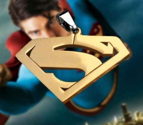 Superman Necklace Pendant Gold
