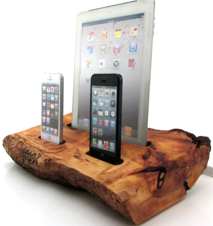 Cedar iPad and Dual iPhone 5 Docking Station