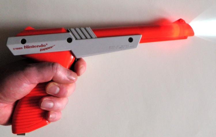 Nintendo NES Zapper Flash Light