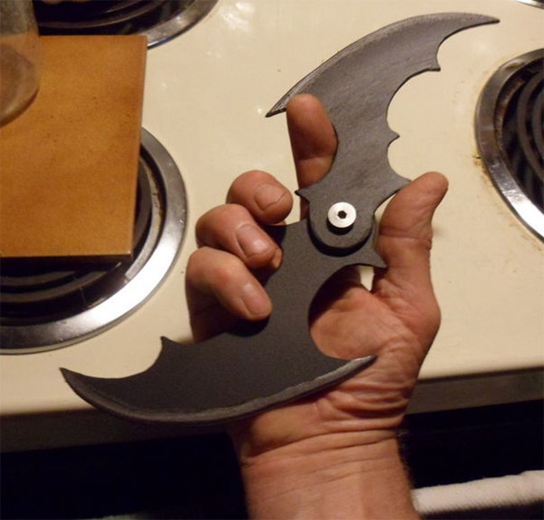 Batman Folding Batarang