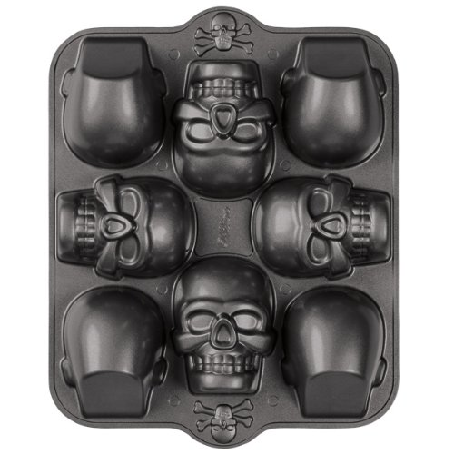 Wilton Dimensions 3-D Mini Skull Pan