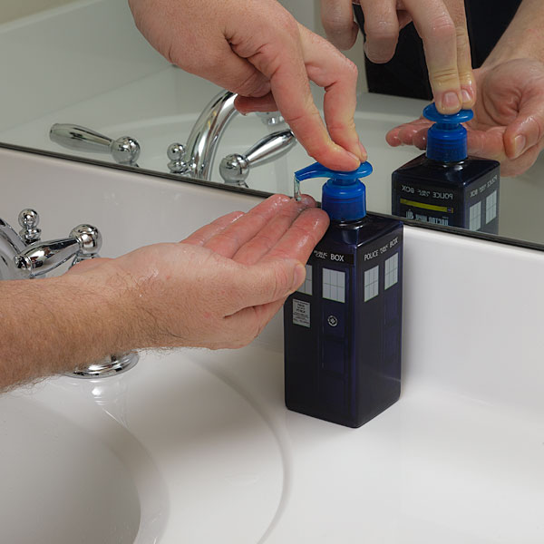 12a7_tardis_hand_soap_inuse