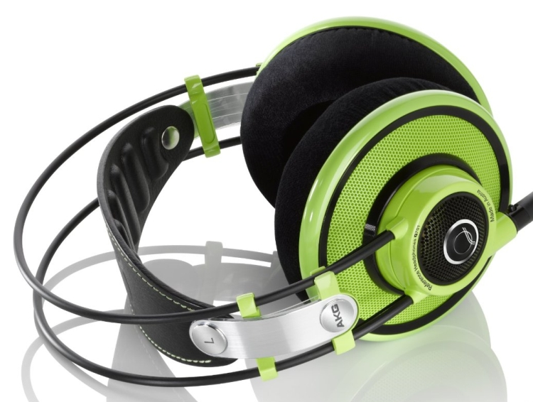 AKG Premium Headphones