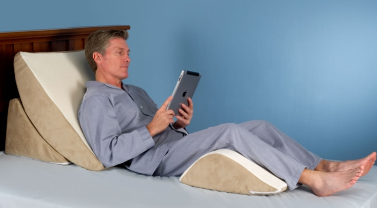 Adjustable Beds For Neck Pain : The pain relieving wedge pillow system gadgets matrix
