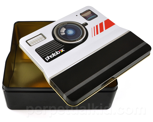 RETRO CAMERA PHOTO STORAGE TIN