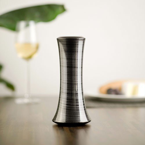 Electronic salt or pepper mill