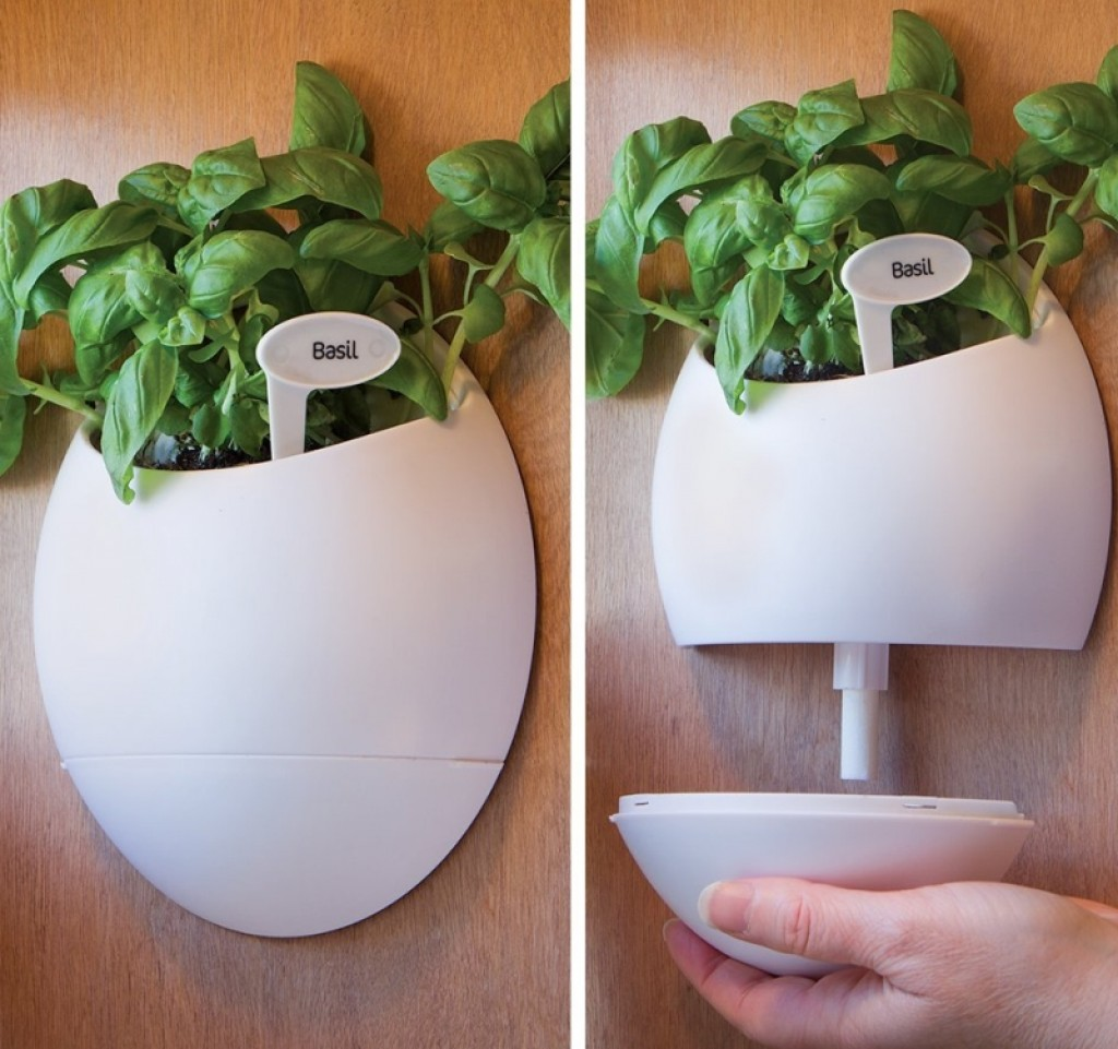 Self Watering Wall Planter Urn Gadgets Matrix