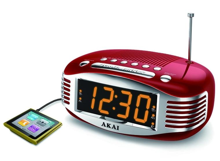 Akai CE1500R Retro AMFM PLL Alarm Clock Radio