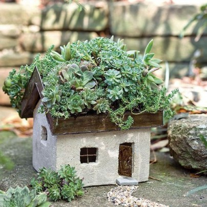 Miniature Fairy Garden Tabby Cottage