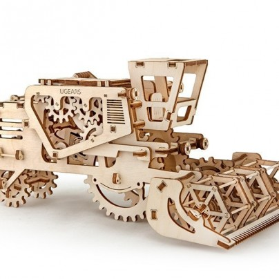 3D Self Propelled Model Combine