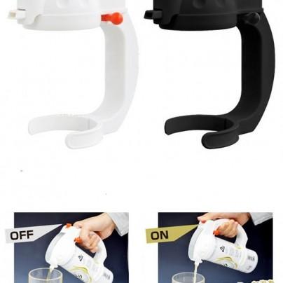 Ultrasonic drink head foam maker