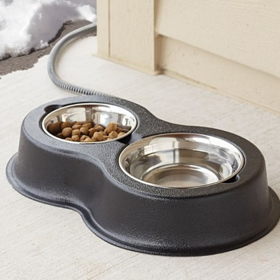 The Heated Outdoor Cat Bowls